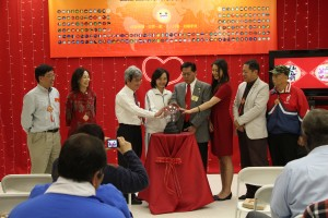 "Stephanie Hu, representative of Congressman Ed Royce (third from right), Mayor Antonio ""Tony"" Cartagena of Walnut (fourth from right), Yun-Gong Hsu, director of the Taipei Economic and Cultural Office in Los Angeles (third from left) and representatives of other participants jointly launch ""An Era of Conscience."""