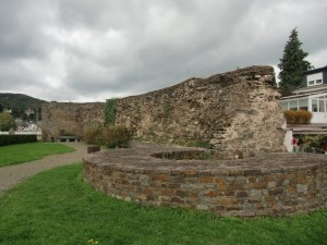 These walls built by the Romans to protect themselves from the Germanic Tribes still remain in Boppard.