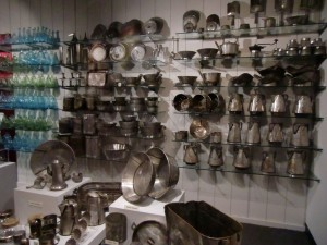 In the Steamship Arabia Museum we see pots, pans and bottles recovered from the ship.
